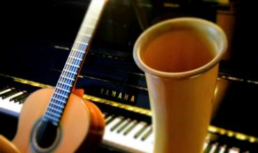 Piano, cor, guitare