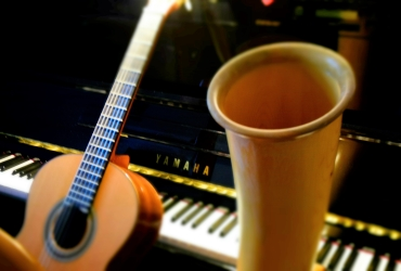 Piano, cor, guitare